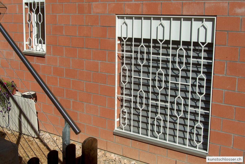 Fenstergitter eckiges Design, weiss