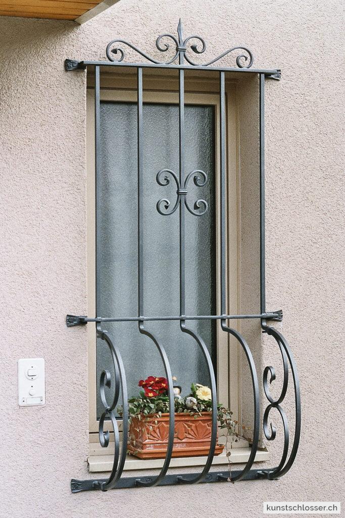 Fenstergitter für Blumenkästen