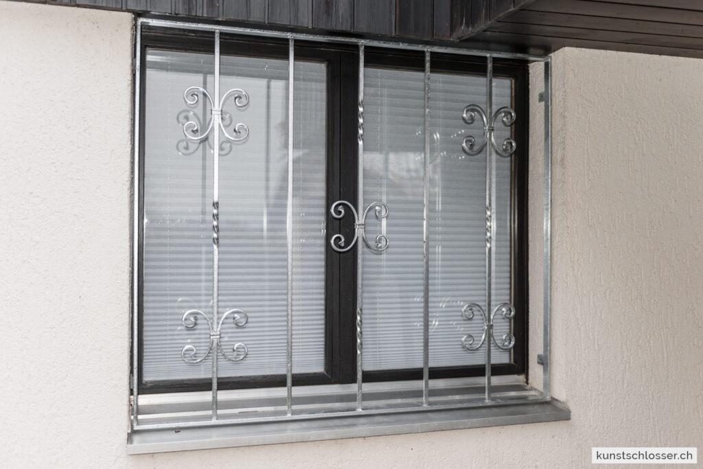 Geschmiedetes Fenstergitter, verzinkt