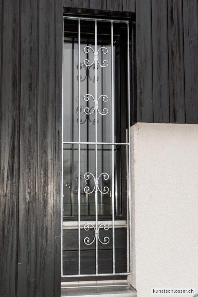 Fensterschutzgitter geschmiedet, verzinkt